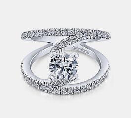 Rings & Fine Jewelry